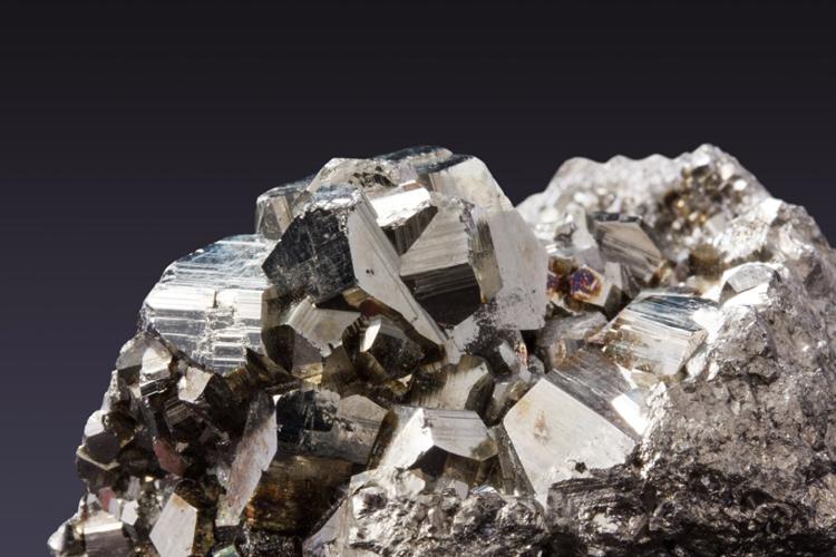 稳定的中国经济为全球铁矿石市场带来希望